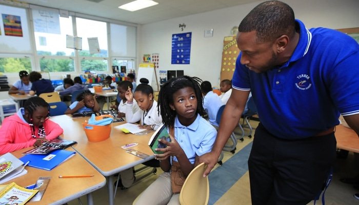 In news bulletins: Common Core Used Widely, Despite Continuing Debate
